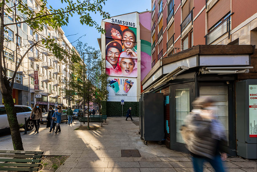 Clear Channel Italia debutta nel mondo del mural advertising con Samsung